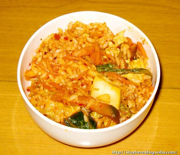 好吃又简单的 辣白菜炒饭