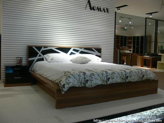 图库频道   卧室电视机实木背景墙效果图   欧式卧室源文高清图片