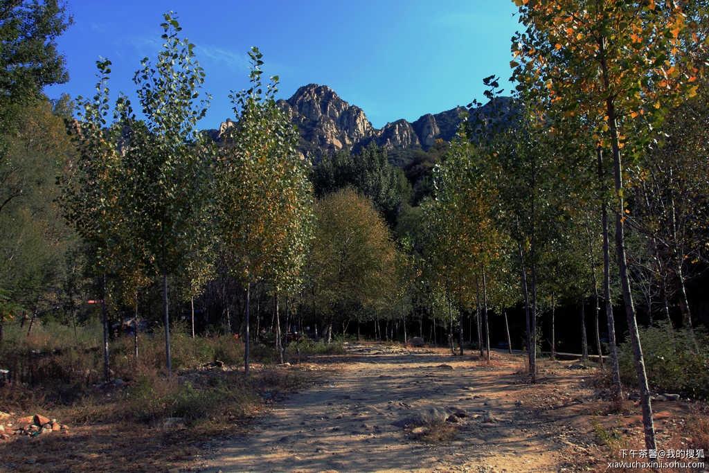 神堂峪自然风景区,位于怀柔境内,距北京65