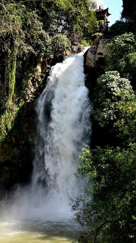 壁纸 风景 旅游 瀑布 山水 桌面 450_800 竖版 竖屏 手机