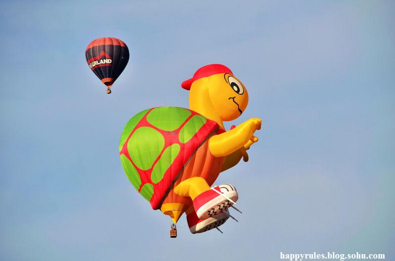 动物形状的热气球最受孩子们的欢迎了