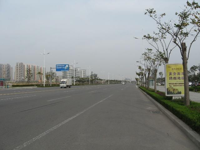 青岛开发区宽敞的滨海大道