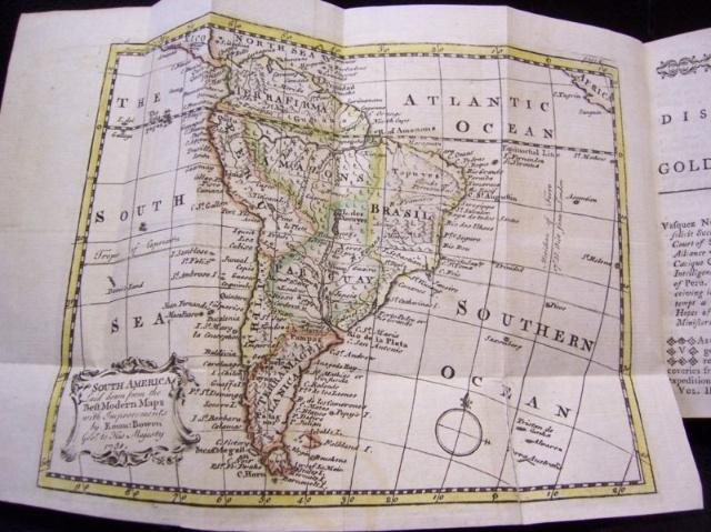 浅褐色世界地图背景