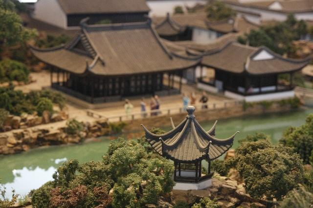 在虎丘塔的山顶可以看到全苏州老城的全貌