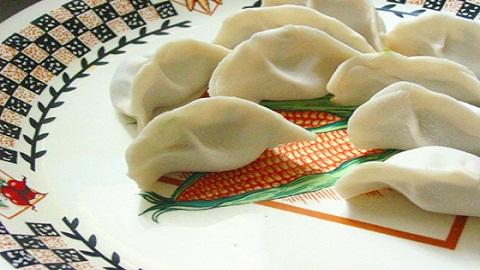 月牙形饺子包法详细图解