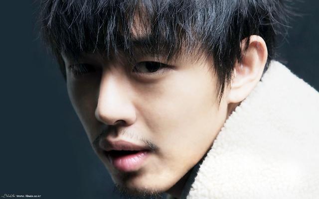 韩国男演员--刘亚仁