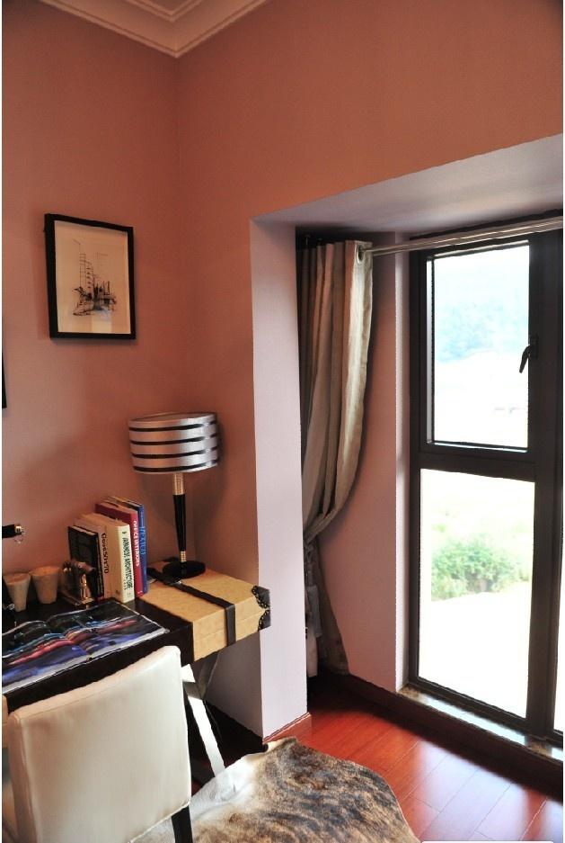精装修样板客厅,3.8米开间+大落地窗