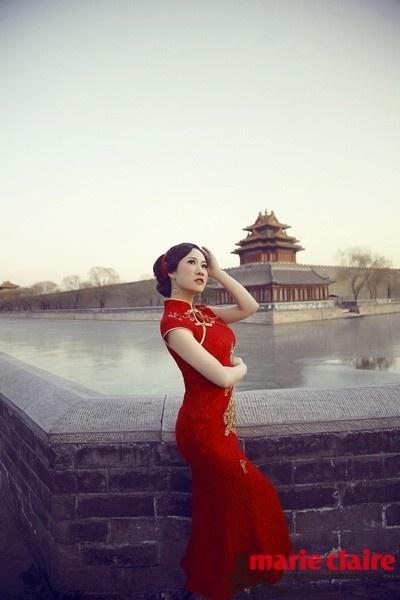 姐姐性感中国风旗袍庆生 中外女星旗袍气质PK