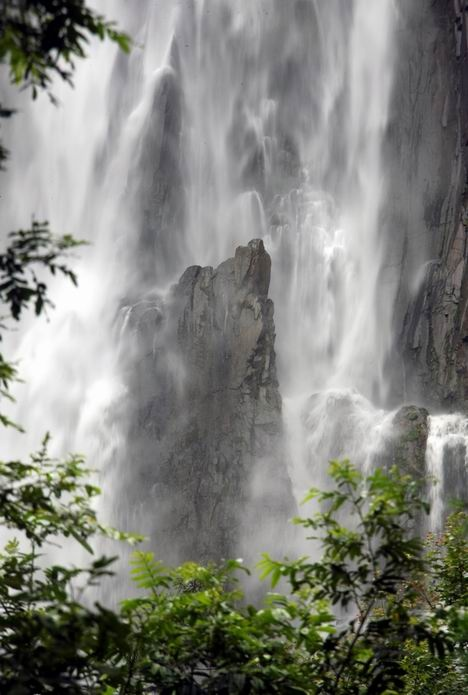 壁纸 风景 旅游 瀑布 山水 桌面 468_695 竖版 竖屏 手机